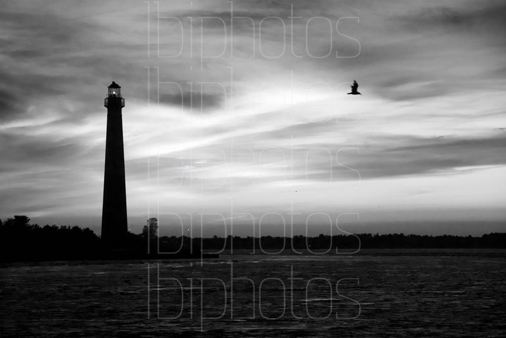 Lighthouse Pink Sky 01 (BW)
