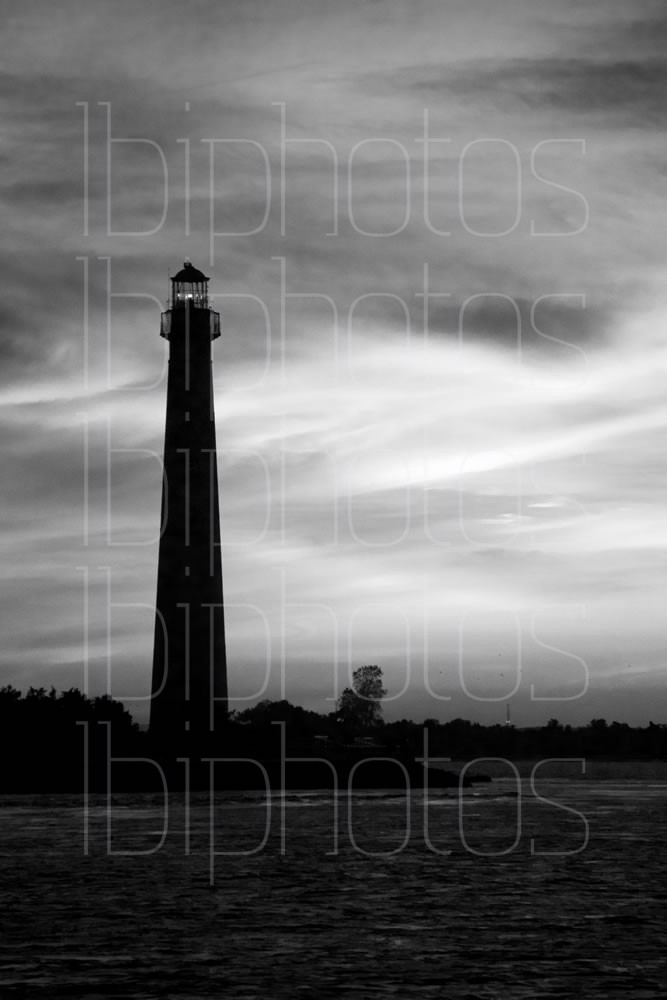 Lighthouse Pink Sky 02 (BW)