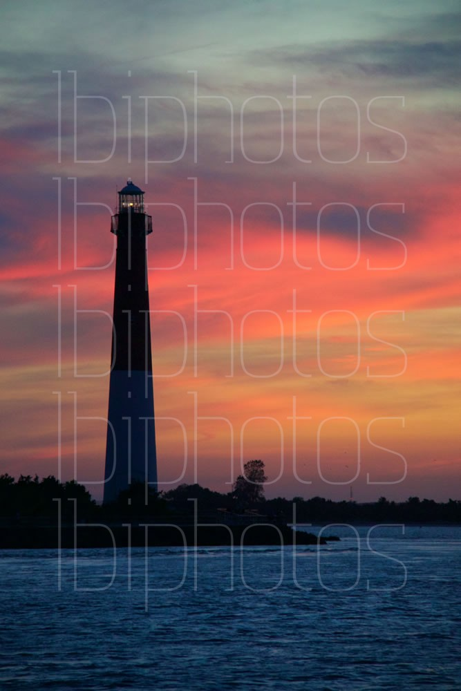 Lighthouse Pink Sky 02 (Color)